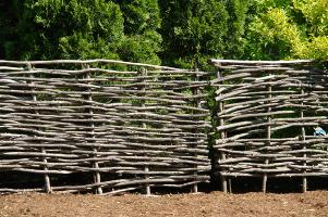 Фото декоративный забор своими руками