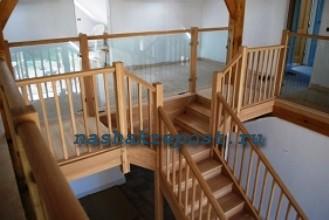 Деревянная лестница из готовых элементов.