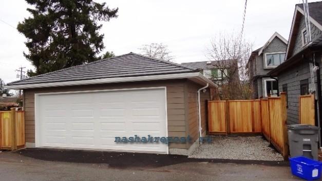 Роллетные  ворота для каркасного гаража