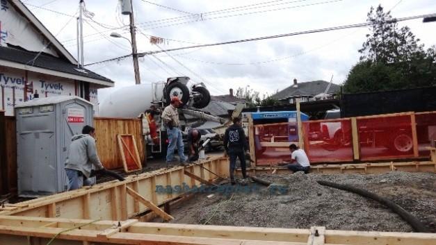 заливка фундамента для каркасного гаража