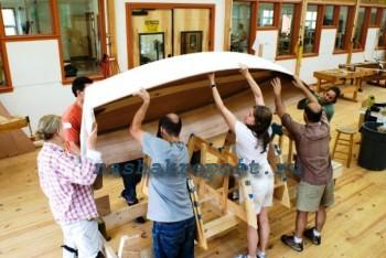 строительство лодки из дерева