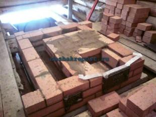первые ряды строительства кирпичной печки