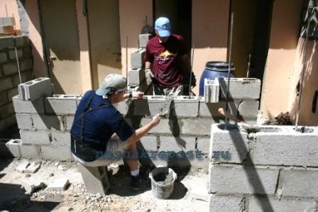 Кладка шлакоблока своими руками - советы строителя