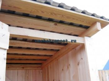 строение крыши дачного туалета