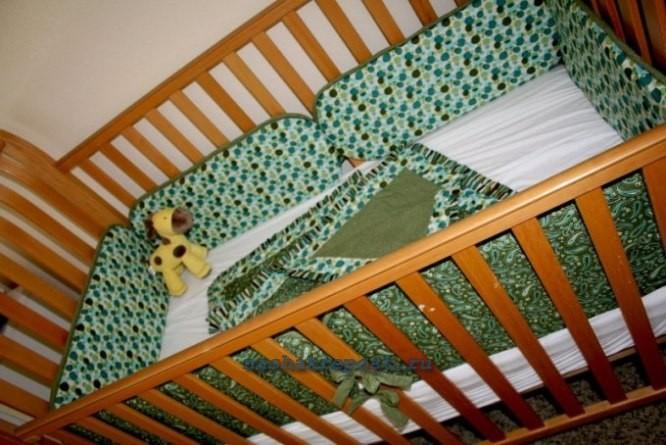 Бортики своими руками на детскую кроватку 451
