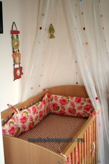 Бортики для детской кроватки своими руками Такие бортики не сложно сшить своими руками.