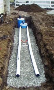 Установка труб для распределения воды