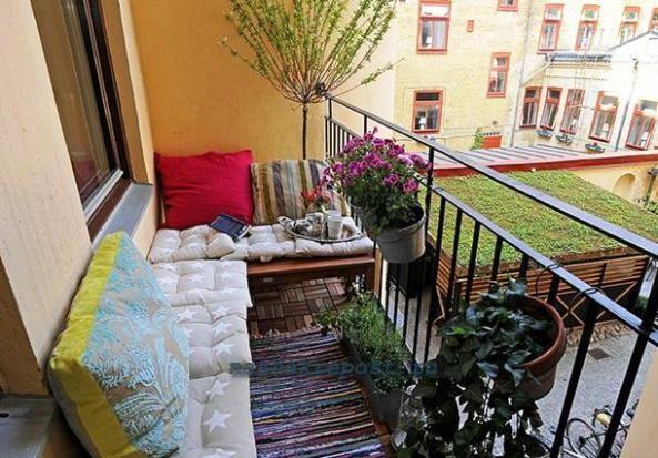 как украсить балкон своими руками