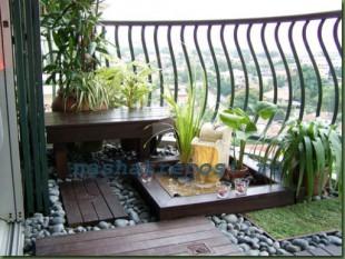 украшение балкона растениями