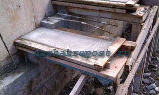 армирование бетонной межэтажной лестницы