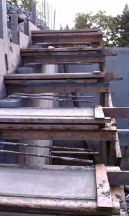 Межэтажные лестницы собственными руками: варианты из бетона и металла