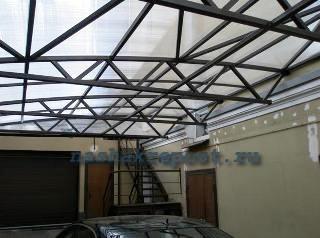 поликарбонатная крыша гаража