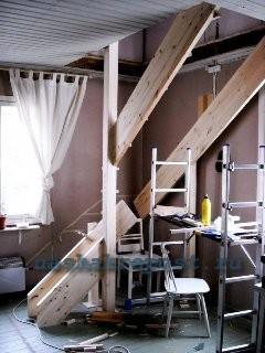 монтаж конструктивных элементов лестницы