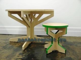 стол и табурет из фанеры
