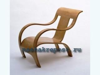 стул из гнутоф фанеры