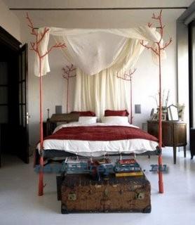 Строительство балдахина над кроватью