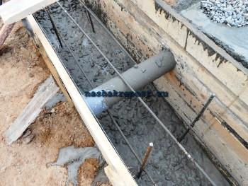 заливка фундамента в опалубку