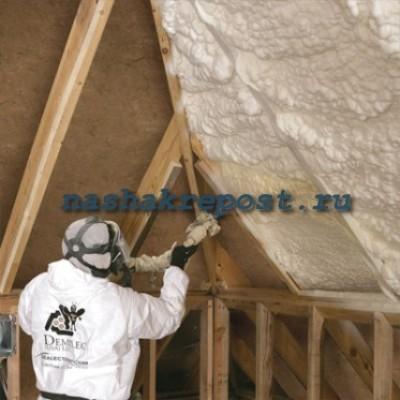 запенивание  крыши