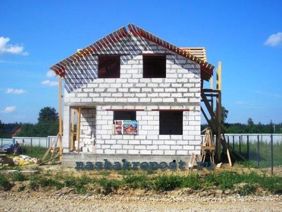 Дом из газобетона с мансардой