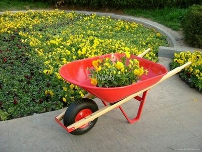 простая садовая тачка