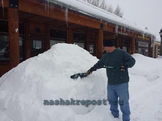 Лепим фигуры из снега