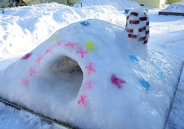 Слепить ледяной дом